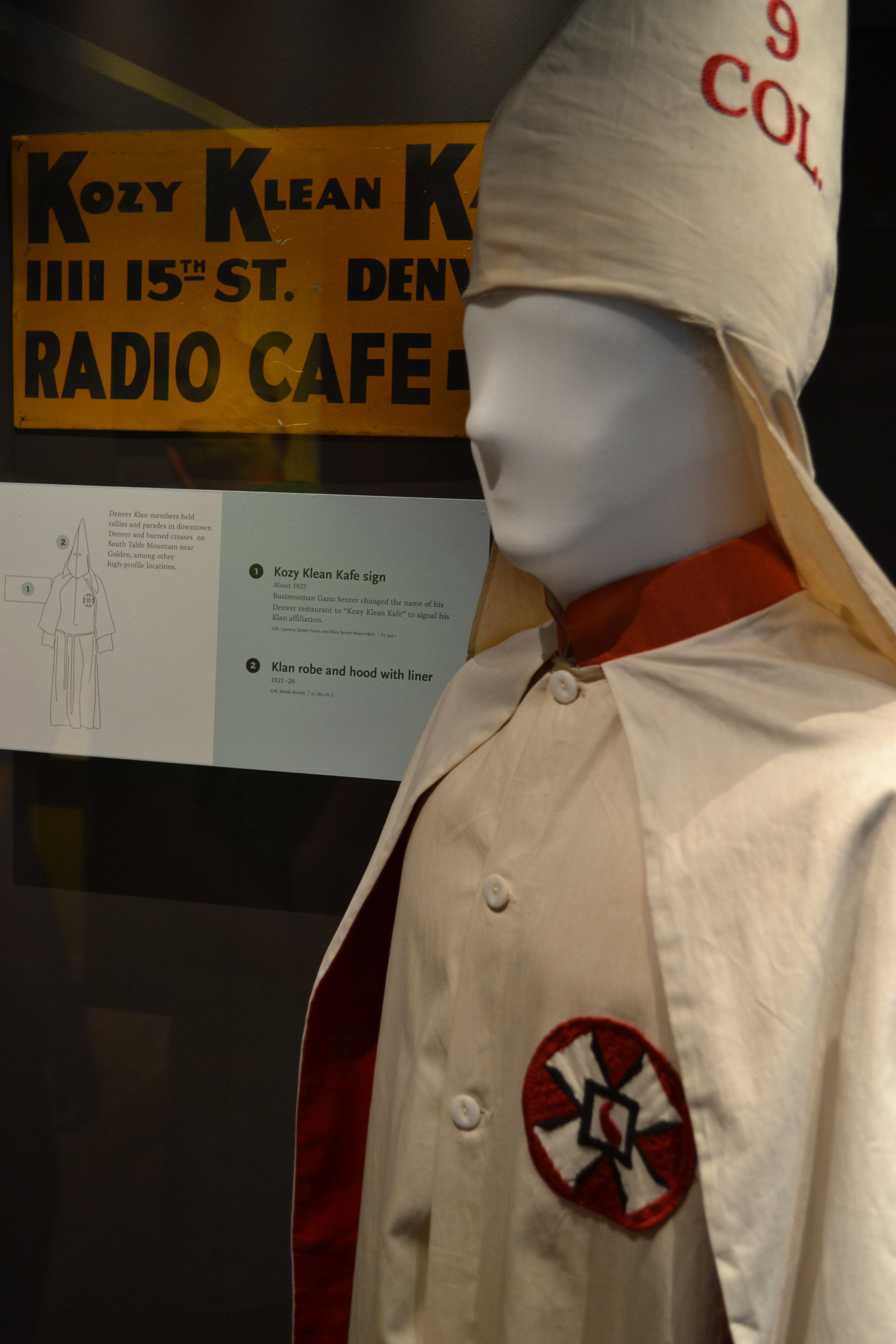 the klu klux klan essay Was the ku klux klan of the 1920's an extremist movement the klan of the 1920's, founded by william j simmons, for five years, only consisted of 4,000 to 5,000 members.