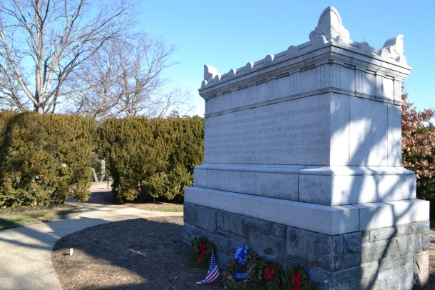 A mass Civil War grave outside the Arlington House