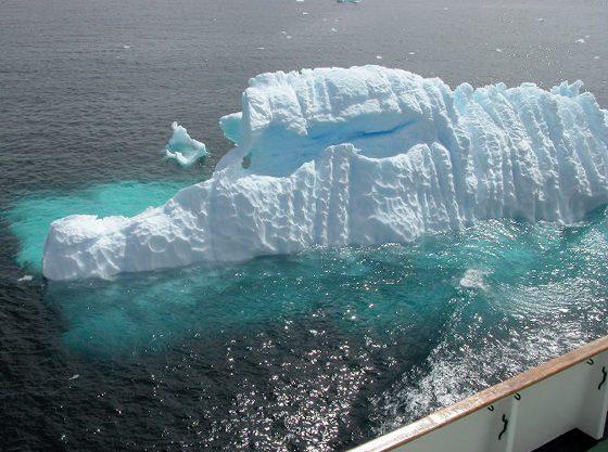 An alligator-like glowing iceberg