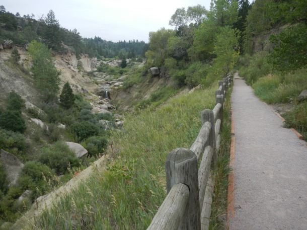 Following the trail into Castlewood Canyon