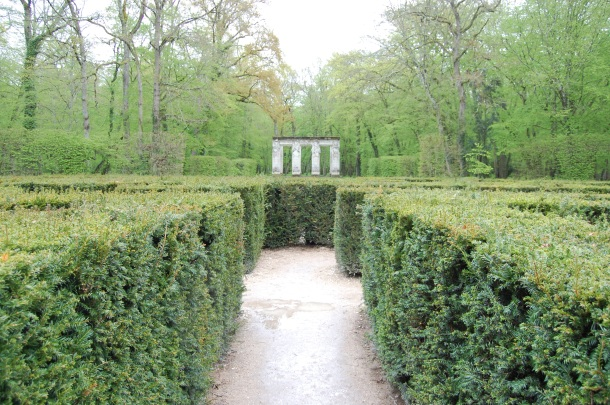 The chateau's garden maze
