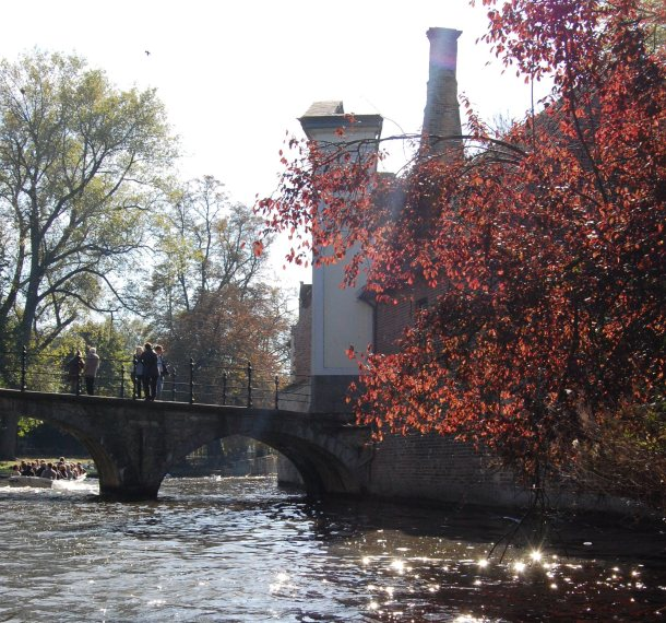 The red leaves of fall along the canal