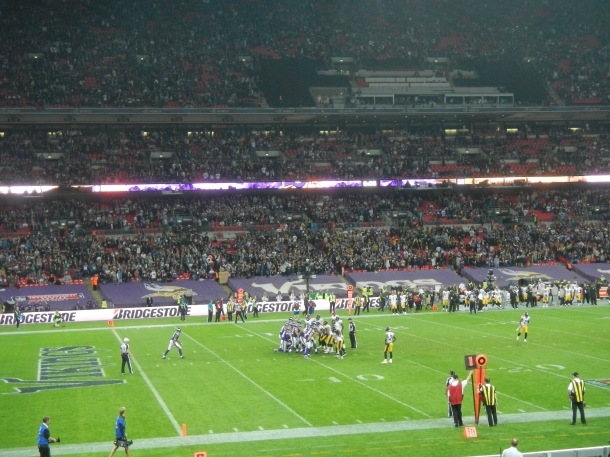 The Vikings in victory formation for the win!